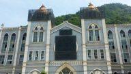 Las autoridades cubren la cruz de la iglesia de Wenzhou