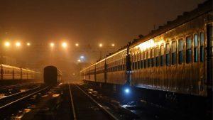 tren especial en la noche