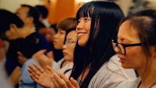 Evangélicos chinos orando