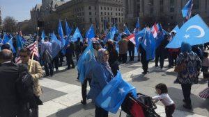 Familias pacíficas, diferentes banderas
