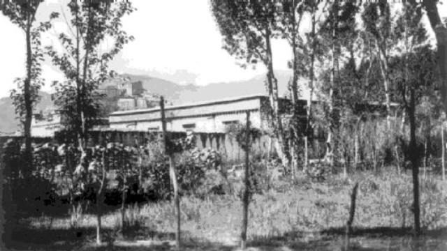 Escuela de Inglés Gyantse a mediados de la década de 1920