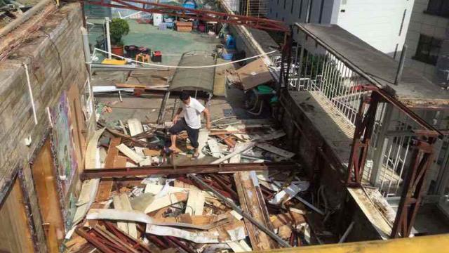 la Iglesia Reformada de Cantón ha sido demolido
