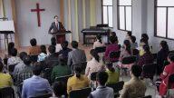 Espías en las iglesias y patrullas antirreligiosas en las calles