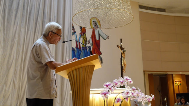 el cardenal Zen dirige una oración por Hong Kong en la iglesia de Nuestra Señora del Monte Carmelo