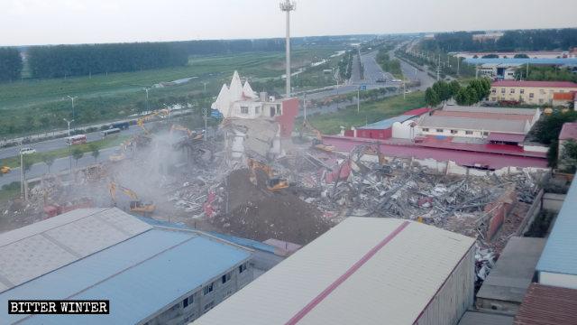 La Verdadera Iglesia de Jesús fue convertida en escombros.