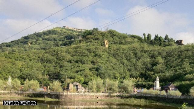 La escultura de la cabeza de Buda fue demolida en el mes de mayo.
