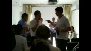 30 oficiales de policía allanan una iglesia doméstica emplazada en Cantón