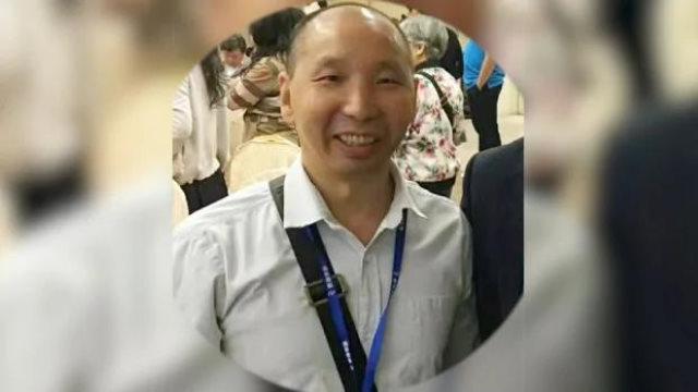 El pastor Li Wanhua fue reprendido por publicar fotos y mensajes sobre el Dr. Li Wenliang
