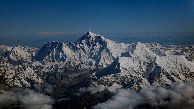 El Monte Everest, ahora alberga la estación base 5G más alta del mundo.