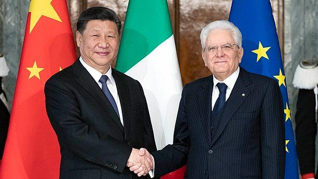 Xi Jinping visita al presidente italiano Sergio Mattarella.