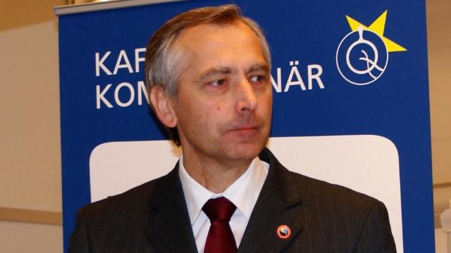 El Sr. Ján Figel'; su mandato como enviado especial para la promoción de la libertad religiosa no ha sido renovado.