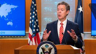 El rincón de la risa: China sanciona a funcionarios estadounidenses