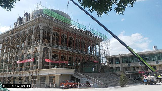 La Gran Mezquita de Dongjiao emplazada en Kongtong fue despojada de su cúpula en el mes de mayo.