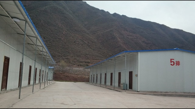 Un centro de entrenamiento de estilo militar para trabajadores tibetanos